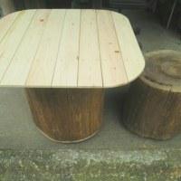 新作のテーブルとユズパン