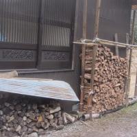 割り木づくり、樋修理の開店日