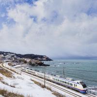 冬の日本海を彩る2つの青色