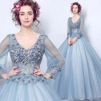 ドレスに身にまとった女性の美しさに釘づけになってしまったことを