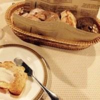 チミケップホテルのディナー