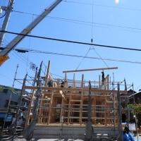 先日の棟上げの写真です【村上staff】