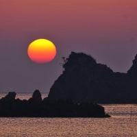 うっとりとさせられる朝陽 (志摩市船越)