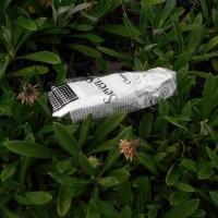 たばこの空箱1個、ペットボトル1本、収集 レジ袋でゴミ拾い&街美化と安全パトロール