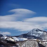春の兆し レンズ雲