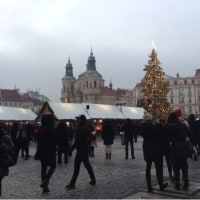 プラハ4日目  ニューイヤー🎊老舗文房具店コヒノール&旧市街広場のクリスマスマーケットへ