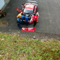 決勝レースで勝った日産GTRのエンジンルームです。