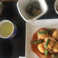 6月20日の日替り定食(550)は、鶏団子の甘酢あんかけ です。