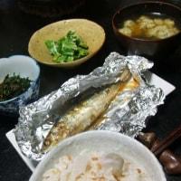 里芋ごはん。ニラ味噌。 揚げ玉味噌汁