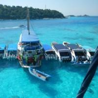 タイのプーケット島周辺をクルージングしています(船ネット)