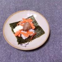 つまみ 豚コロ肉と人参のマヨ海苔包み