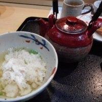 「ことぶきや」、鯛めし専門店で、小鉢いろいろ充実鯛飯ランチ1,300円