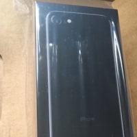 """【iPhone7】念願の""""ジェットブラック""""128GB、やっと届いた〜♪(^○^)"""