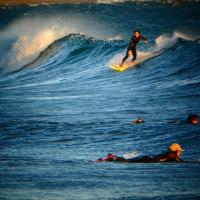 『北浜』 女性サーファー