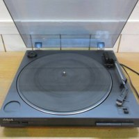 「アイワ レコードプレーヤー PX-E800 ターンテーブル aiwa」を買取させていただきました。