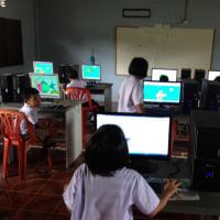 嫁は、コンピューターの先生。