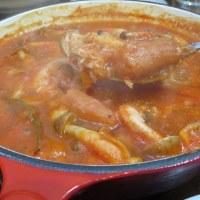 チーズのせバゲットに貝柱の水煮をいれたトマトソースで水曜の晩ごはん