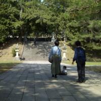 うぐいす張り石畳:瑠璃光寺