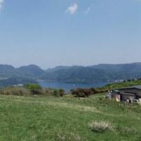 芦ノ湖畔を歩く