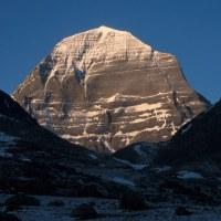 霊峰というものは、憧れているからいいものであって、登山しちゃいけない