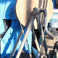 職員が作成した手回し式ロープポンプ