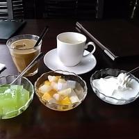 本日のランチは天王寺のホテルバリタワー13階のレストラン・スコールで税込み950円のカレービッフェ。カレー・ライス・サラダ・デザート食べ放題・ドリンクバー・スープ飲み放題。