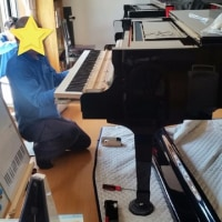 グランドピアノ搬入無事終わりました!