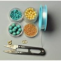 ターコイズジュエリー ―ターコイズビーズのフラワーブレスレットを作る方法