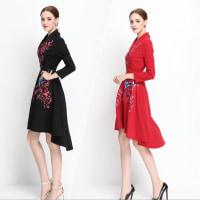 一着、シンプルかつ上品なドレスを選べば、様々なコーディネートが楽しめます