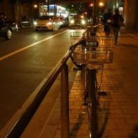 停めてある自転車になぜか吸い寄せられる