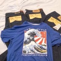 昨日、ジーパンとTシャツ購入しました。