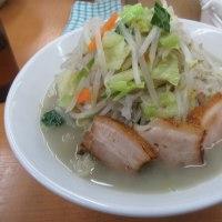 御徒町で人気の塩ラーメン(タンメン)専門店、富白(とみしろ)、冷えた体に熱いスープが浸みたねぇ!