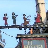 ドイツの装飾吊り看板(メルヘン)