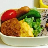 雑穀米とコロッケ