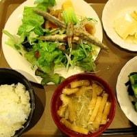 新緑を眺めながら朝食(広島にて)