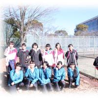 女子テニス部、寒空の下での熱戦
