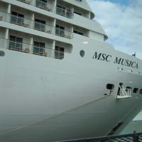 「MUSCAの船尾」