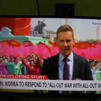 CNNのディレクターと目が合っている、金正恩