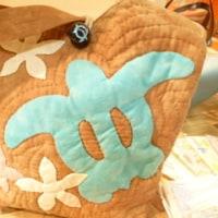 手作りハワイアンキルト小物やバッグの店頭販売☆レンタルボックスのフリマボックスミオカ店