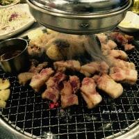 焼肉屋さんで・・?  「チョン・ジュナとクォン・サンウ行ったり来たりする」( ̄▽ ̄;)