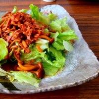 しめじとベーコンのレタスサラダ
