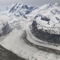 グレンツ氷河&ゴルナー氷河の大迫力!