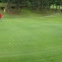 梅雨の晴れ間のゴルフ