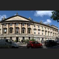 イギリスの建築家ジョン・ウッド兄が死去した。