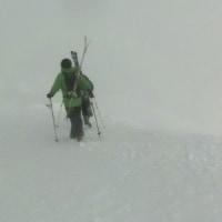 山頂からのバックカントリー2)