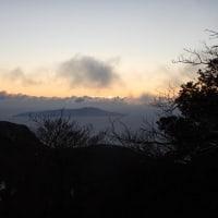 万三郎岳(陽が沈み朝陽が昇る)