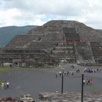 メキシコにもピラミッドがあるのよ^^