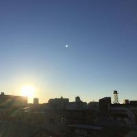 今日も青空と朝日が綺麗な朝ですね(^o^)(^o^)