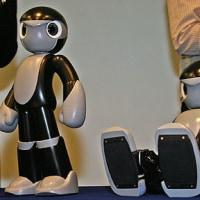 ヒューマノイドロボット「マノイ」