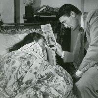ヘップバーンの最初の主役映画「ローマの休日」公開。